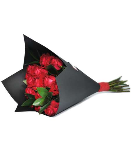 Bouquet of red roses in black craft paper flowerscity bouquet of red roses in black paper mightylinksfo