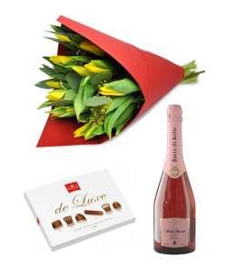 "Bouquet of 21 purple tulips + Chocolate ""Korona de Luxe"" + hampagne ""Bacio di Bolle"""