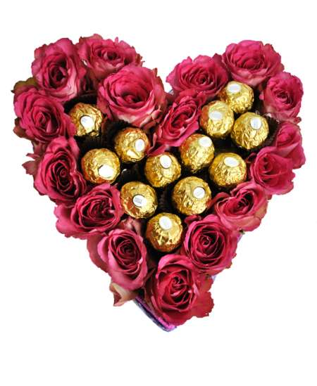 Heart of 21 pink roses and Ferrero