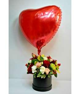 Смешанная коробка + красное гелиевое сердце