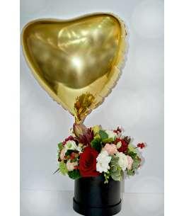 Смешанная коробка + гелиевое золото сердце