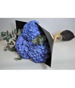 Bouquet of 3 violet hydrangea in black craft paper
