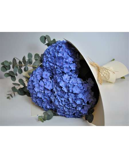 Bouquet of 3 violet hydrangea in cream paper