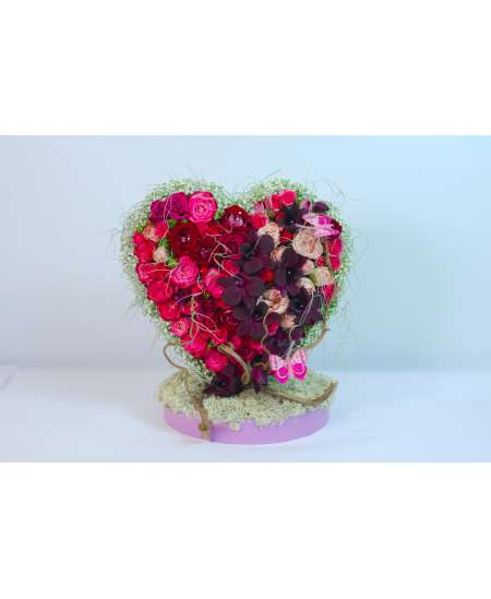 Inima 3D din trandafiri si orhidee
