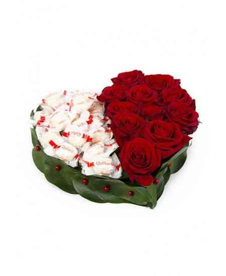 """Inimă din flori """"Două jumătăți"""""""