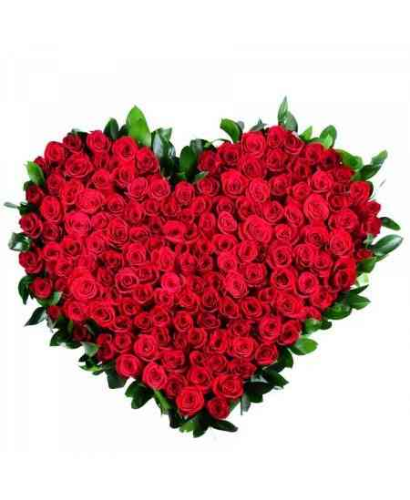 """Buchet """"Inimă"""" din 101 trandafiri"""