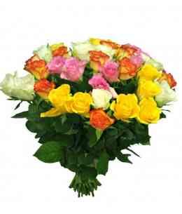 Buchet din 35 trandafiri multicolor 30-40cm