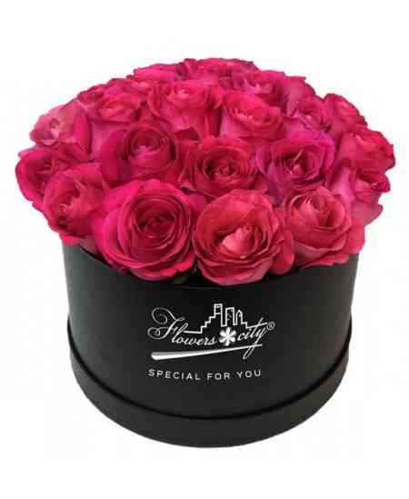 Коробка из 27 розовых роз