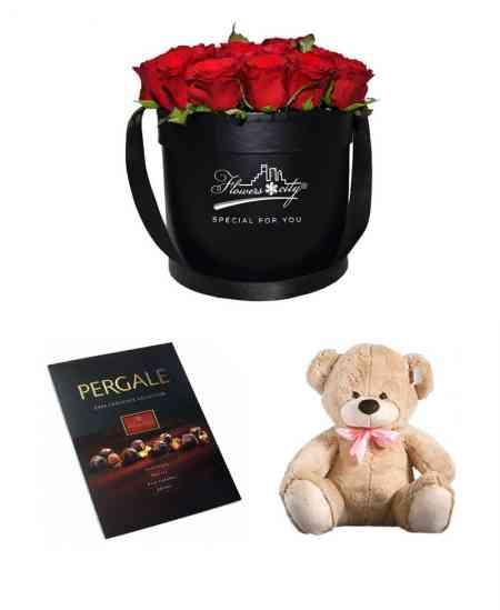 Коробка из 27 красных роз + Медвежонок + Шоколад ''Pergale''