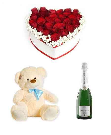 "Inimă din 27 trandafiri + Urs mediu + Șampanie ""Bacio di Bolle"""