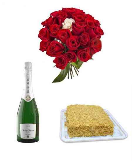 """Bouquet of 25 roses + Сake Napoleon + Champagne """"Bacio di Bolle"""""""